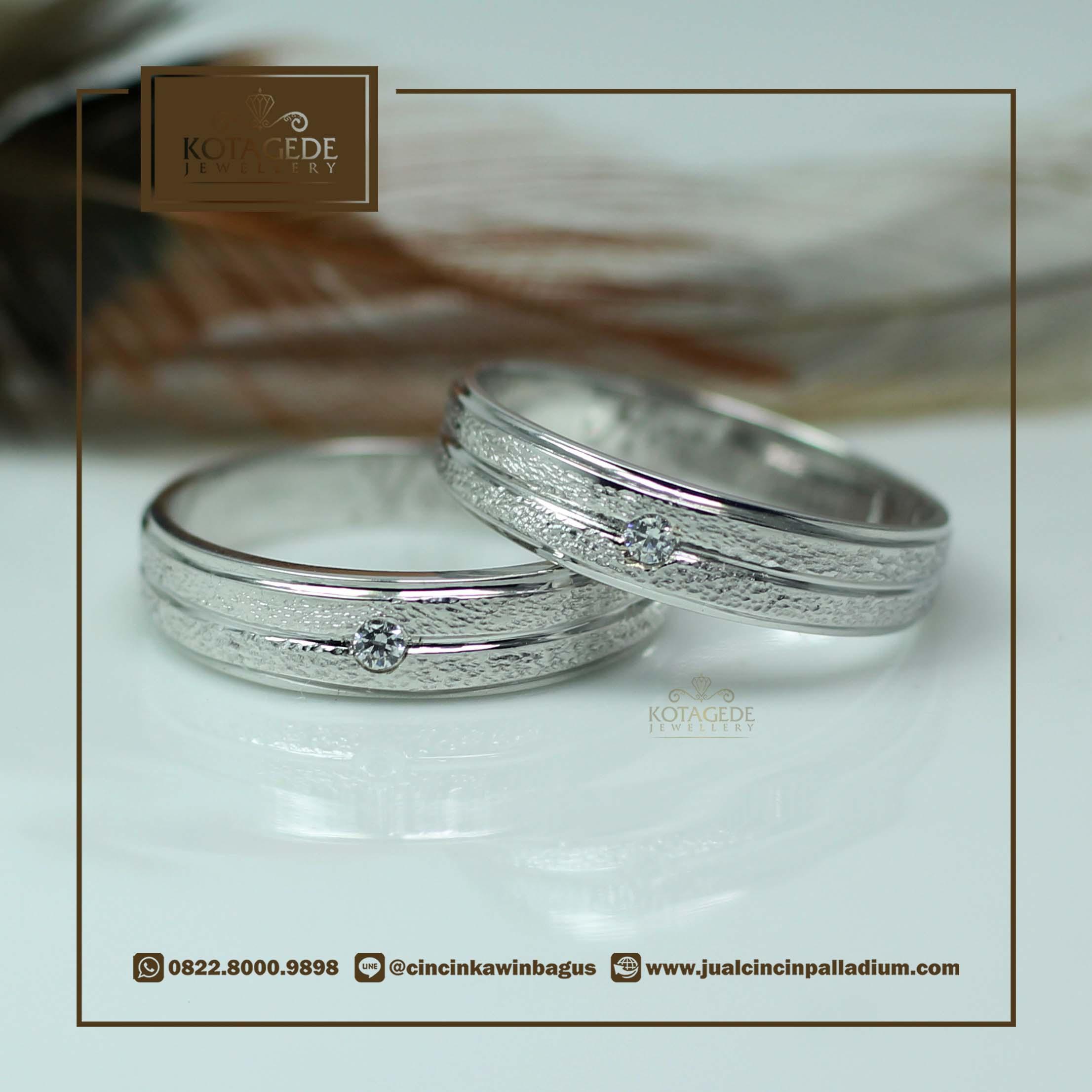 Exclusive Platinum: Cincin Kawin Tunangan Exclusive Platinum Emas Putih PT0032WG