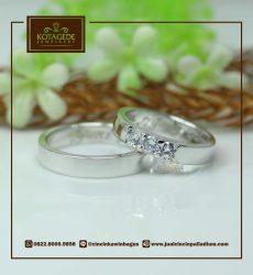 mini eternity ring