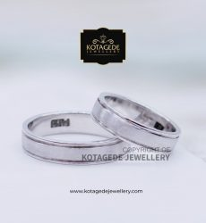 Cincin Kawin Tunangan Palladium Couple Putih PD0086