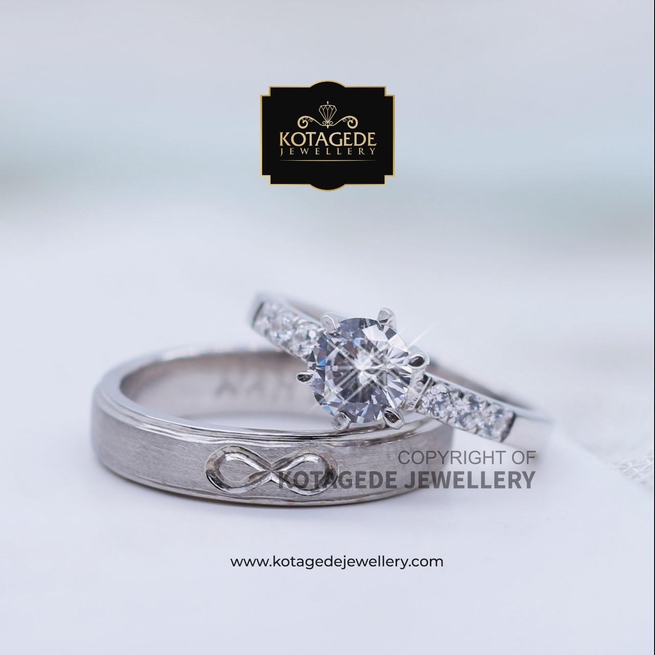 Cincin Kawin Tunangan Platinum Emas Putih Elegant PT0075WG