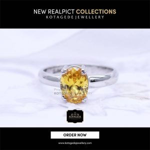 Dan pelayanan kami jamin cepat mudah dan akan sangat memuaskan Anda. Ada  beberapa model cincin tunangan emas yang bisa Anda pilih untuk acara Anda 3885b42b9e
