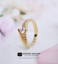 Cincin Kawin Tunangan Elegant Diamond Emas Kuning YG0130