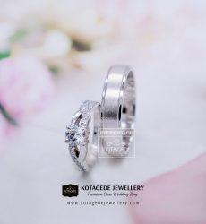 Cincin Kawin Tunangan Platinum Emas Putih Elegant PT0128WG