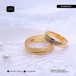 Cincin Kawin Tunangan Emas Kuning Elegant YG0176YG