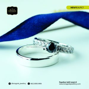 Cincin Kawin Tunangan Platinum Emas Putih Black Diamond PT0174WG