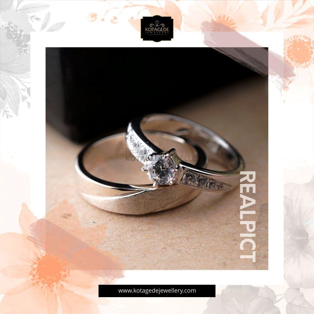 Cincin Kawin Tunangan Platinum Emas Putih PT0270WG