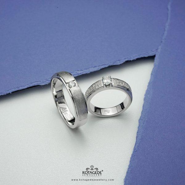 https://kotagedejewellery.com/product/cincin-kawin-tunangan-eternity-couple-ptd0332wg/