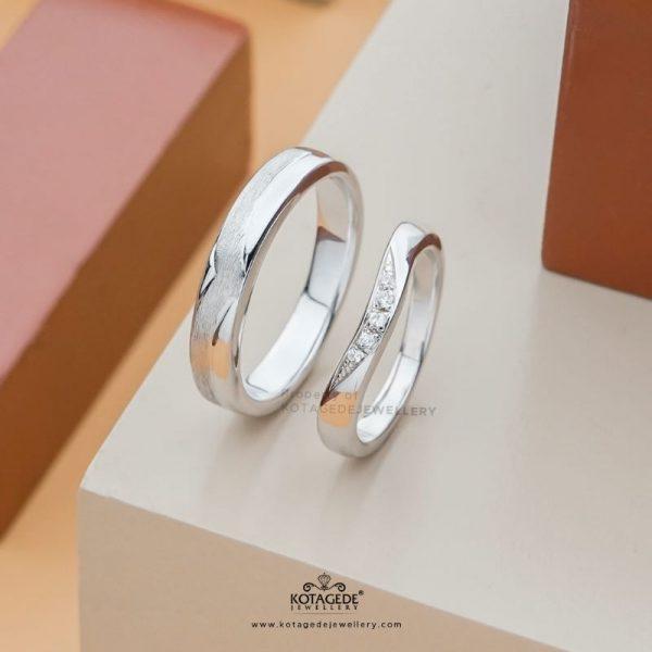 Cincin Kawin Tunangan Simpel Platidium Emas Putih Ptd0403wg