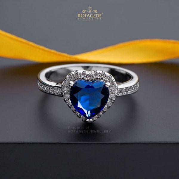 Cincin Kawin Tunangan Emas Putih Love Biru WG0443