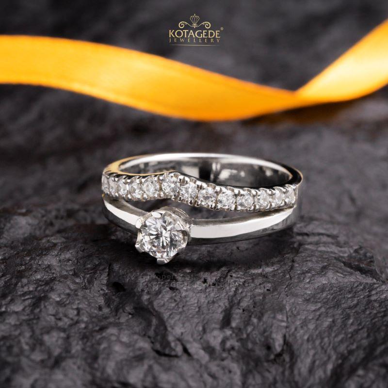 Cincin Kawin Tunangan Emas Putih WG0444
