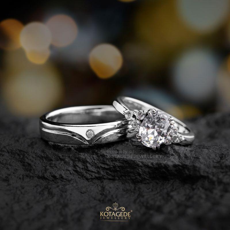 Cincin Kawin Tunangan Elegan Platidium Emas Putih PTD0454WG